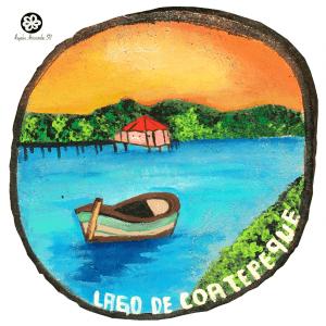 Pintado a mano en madera Lago de Coatepque