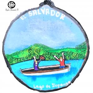 Lago de Ilopango artesanía pintada a mano en madera