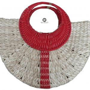 Cartera de corazón de tule, fibra natural. www.regalosartesanalesv.com