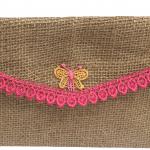 Billetera con aplicación de mariposa flecos rosados-01
