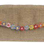 Billetera con aplicaciónes de flores de colores-01